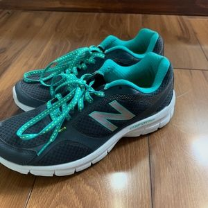 NewBalance Grey/Teal Running Shoes - Size7.5(EUC)